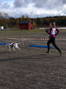 Foto: Pernilla Lindberg. Christina Holm med Pastis
